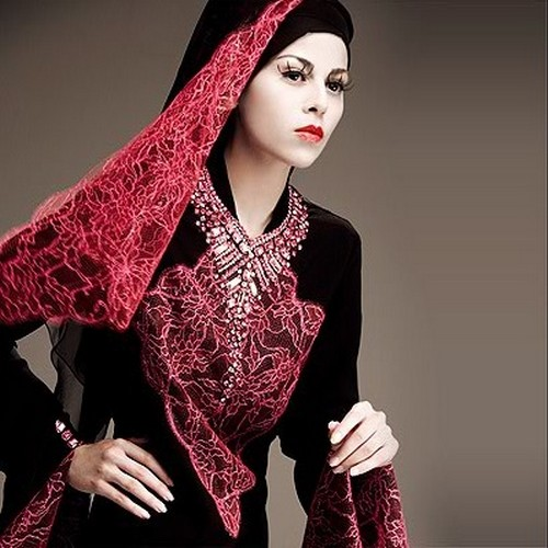 Latest-Abaya-Designs_Islamic-Abayas-2012-Indianramp.com_