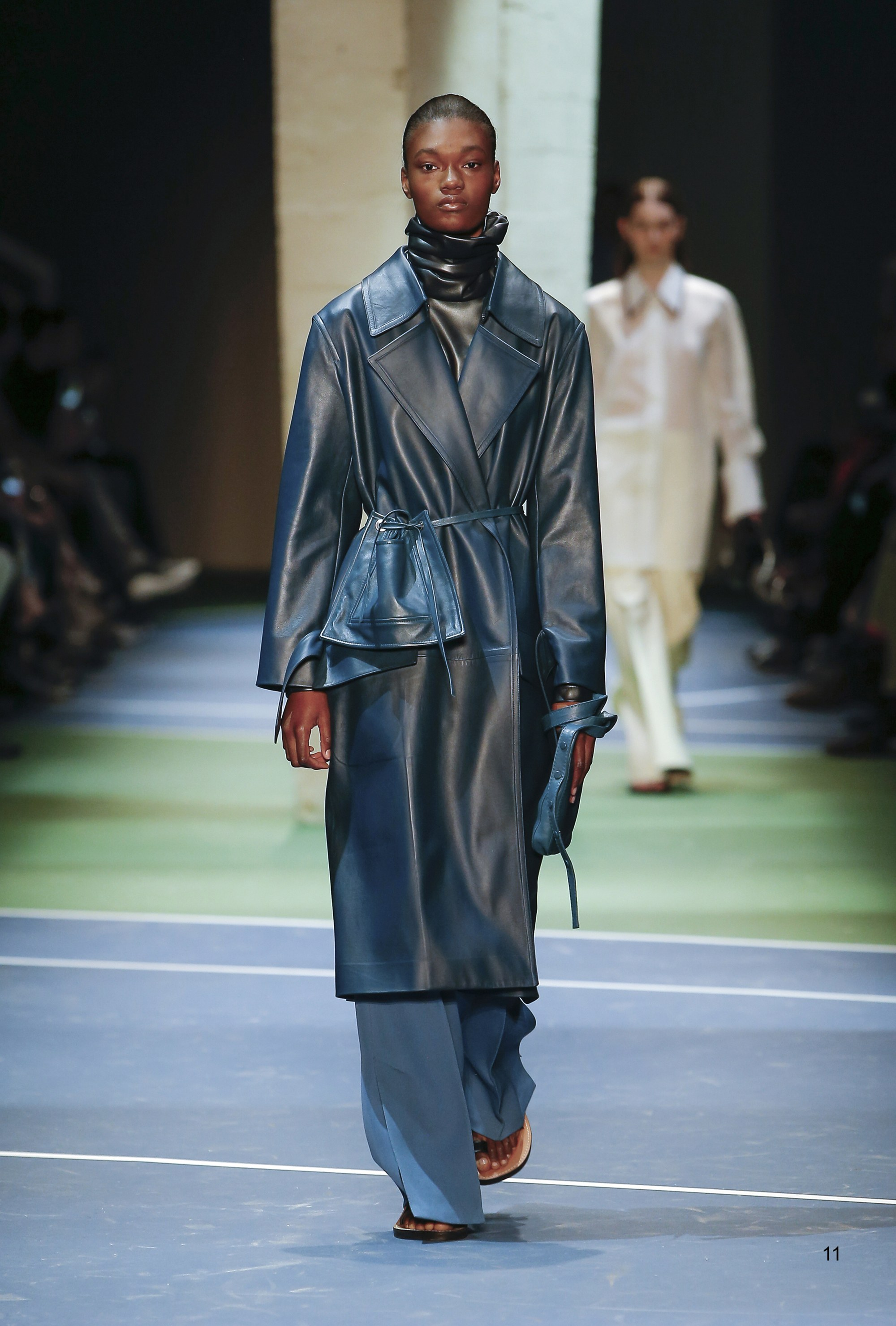 Top Runway Looks At Paris Fashion Week 2016 Islamic Fashion Design Council
