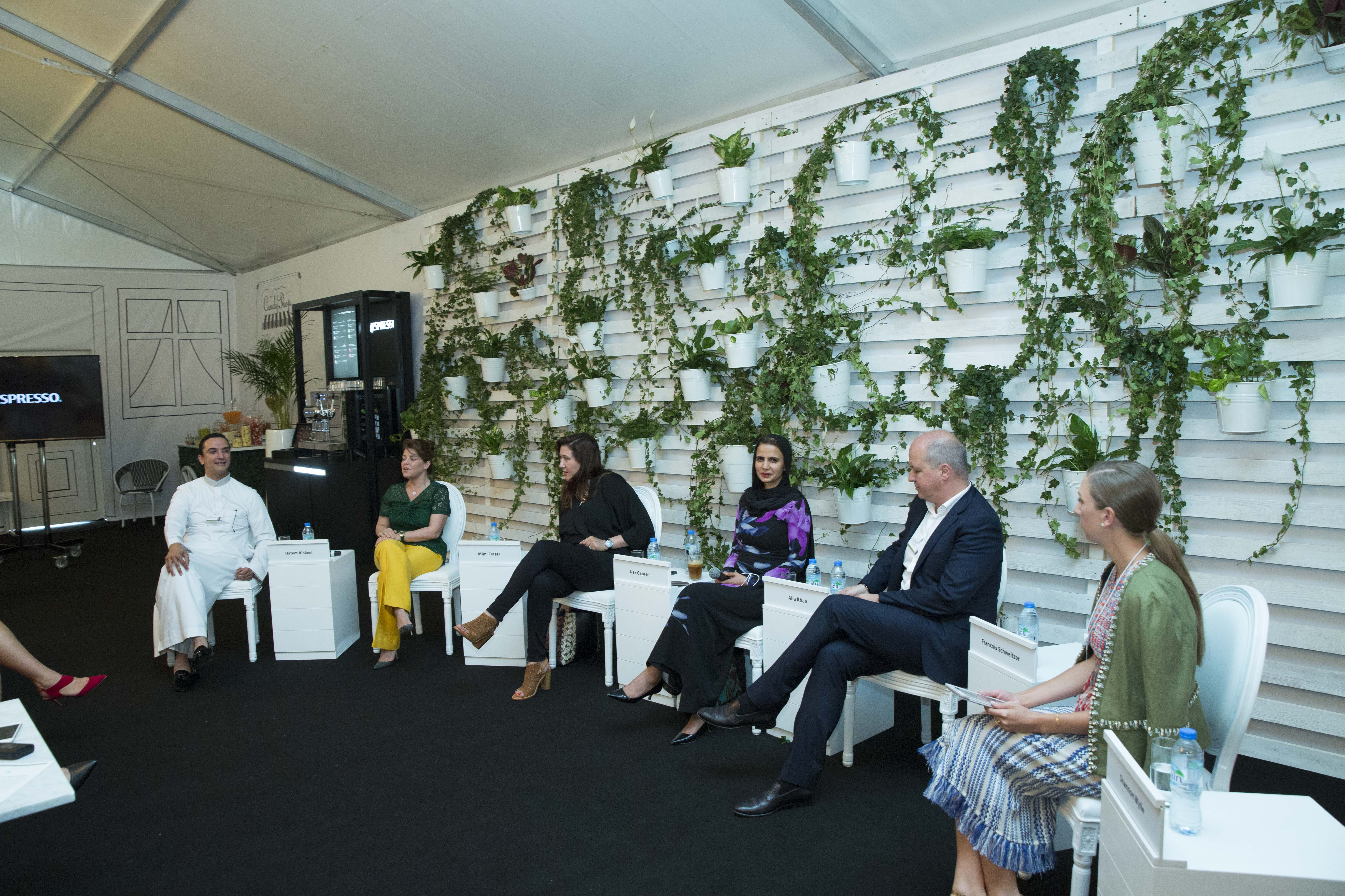Inside Arab Luxury World Discussing Fashion Trends In The Middle East Islamic Fashion Design Council