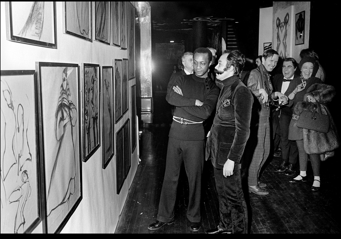 In 1969, Mr. Cunningham attended a gallery opening of fashion drawings by Charles James at the Electric Circus on St. Marks Place. In the late 1960s, he started taking assignments for The Daily News and The Chicago Tribune, among other publications.