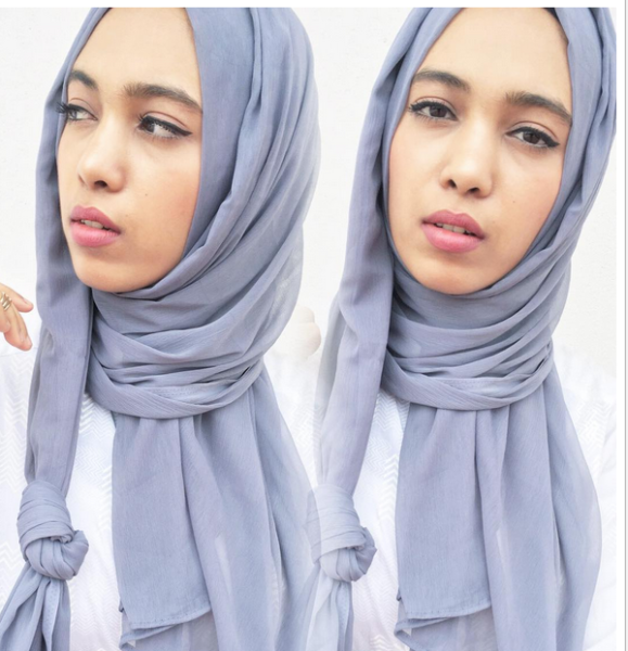 I officially love cool grey/blue tones. Hijab from @hayaah.hijabs . Have you checked out my new video?? Link up on my bio! Subscribe! . . . #modestfashion #hijabfashion #hijabi #hijabchic #muslimahfashion #muslimahchamber #modestfashion #themodestmovement #youtuber #newyoutuber #indianyoutuber #chennaiyoutuber #madras #hayaahhijabs #minimalism #simple #clean #white #grey #cooltones