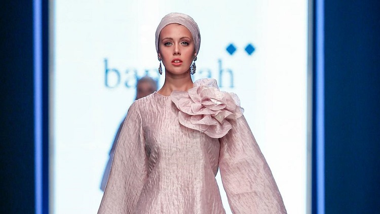 Modest Fashion Feted In France Islamic Fashion Design Council